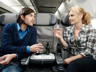 Icelandair Premium Economy with empty middle seat