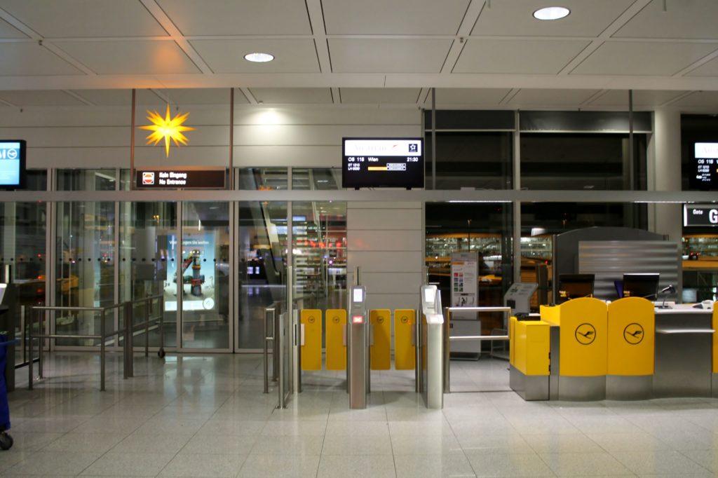 Austrian Airlines Business Class Munich-Vienna gate