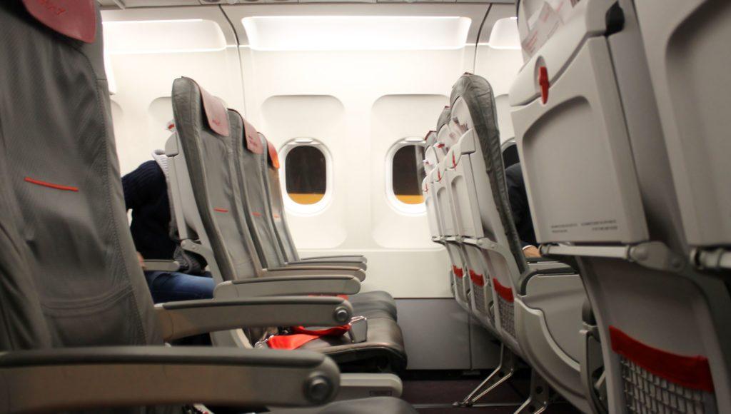 Austrian Airlines Business Class Munich-Vienna seat pitch