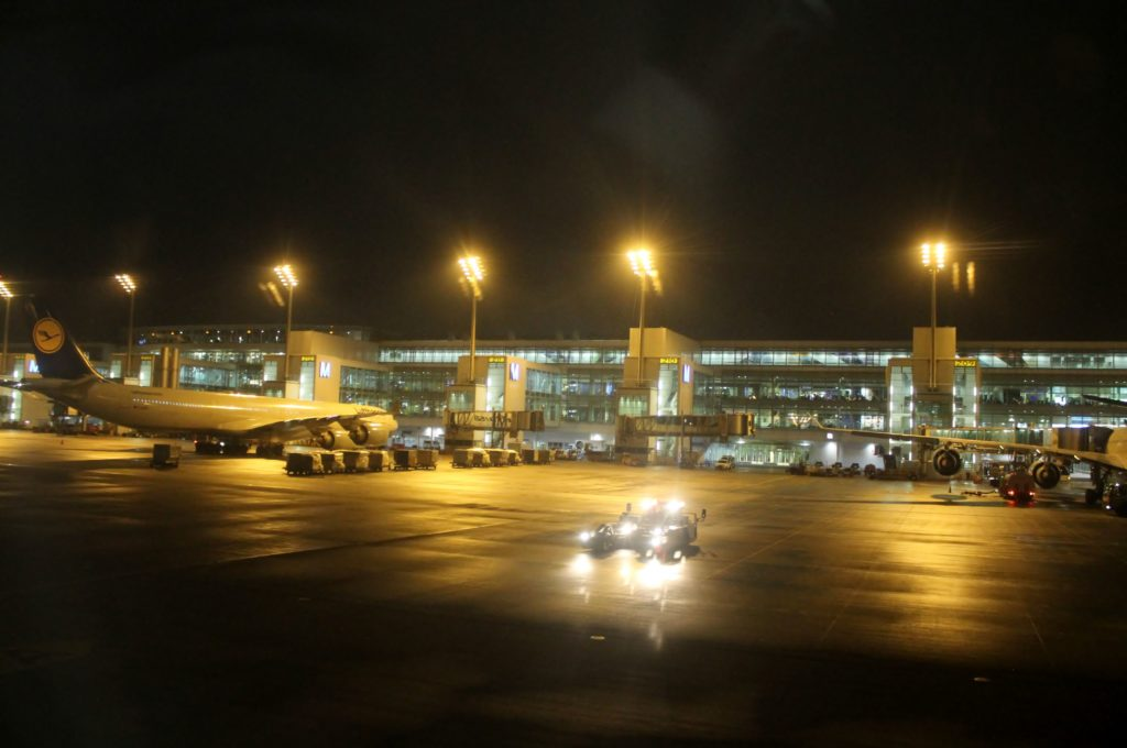 Austrian Airlines Business Class Munich-Vienna terminal and apron