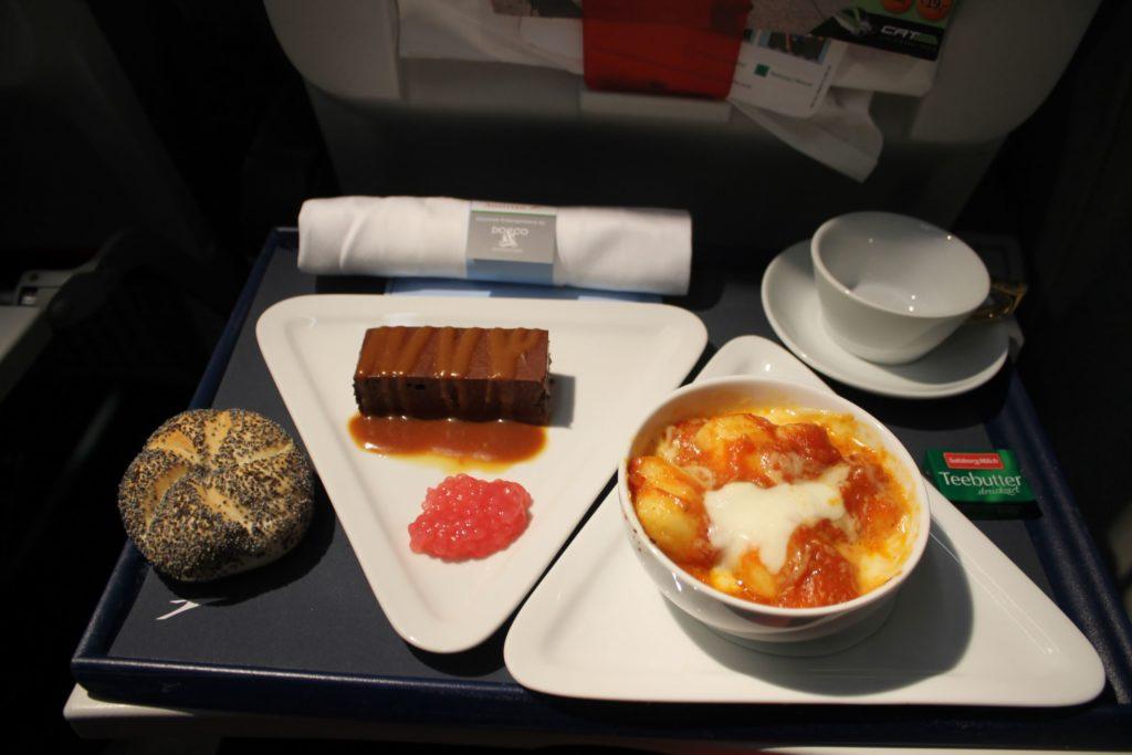 Austrian Airlines Business Class Munich-Vienna dinner