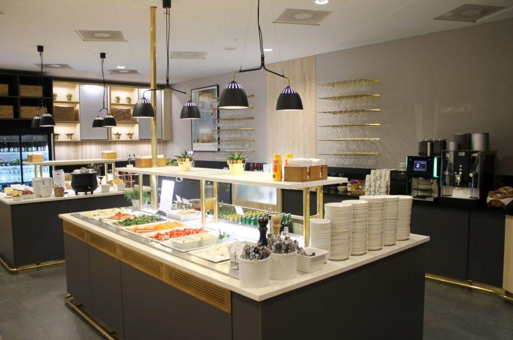 Lufthansa Business Class Stockholm-Munich SAS Gold Lounge
