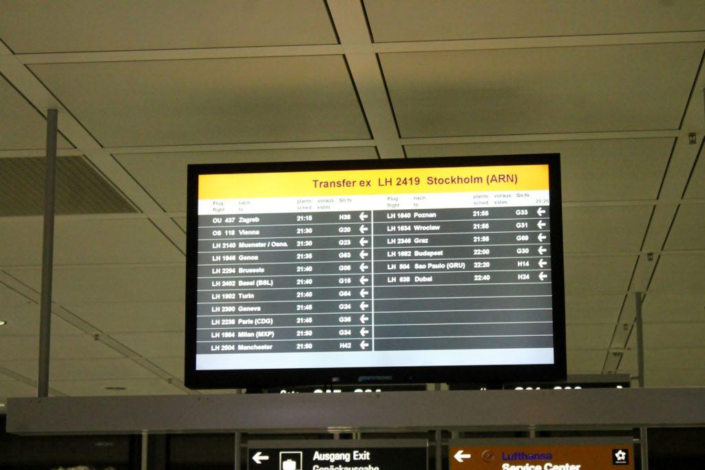 Lufthansa Business Class Stockholm-Munich transfer monitor