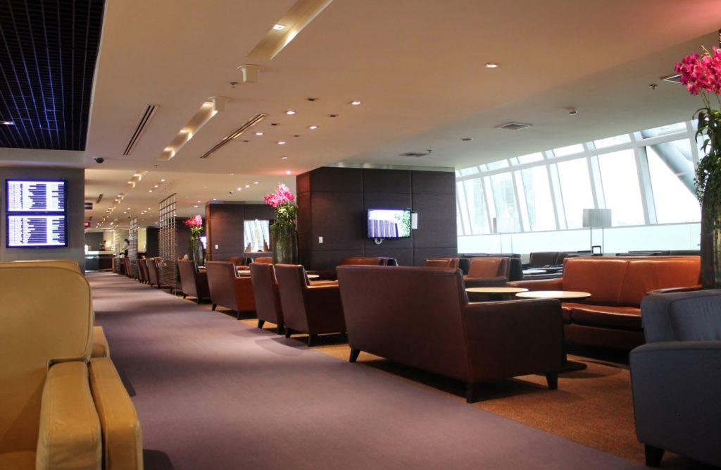 Thai Airways Royal Silk Lounge, Bangkok Suvarnabhumi Concourse D
