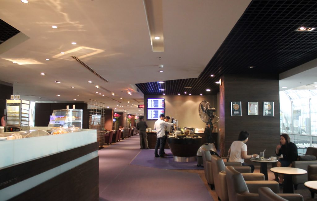Thai Airways Royal Silk Lounge, Bangkok Suvarnabhumi D-pier