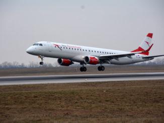 Austr§ian Airlines Embraer 195 landing