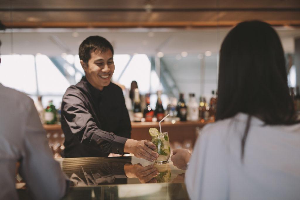 Cathay Pacific Lounge Bangkok bar