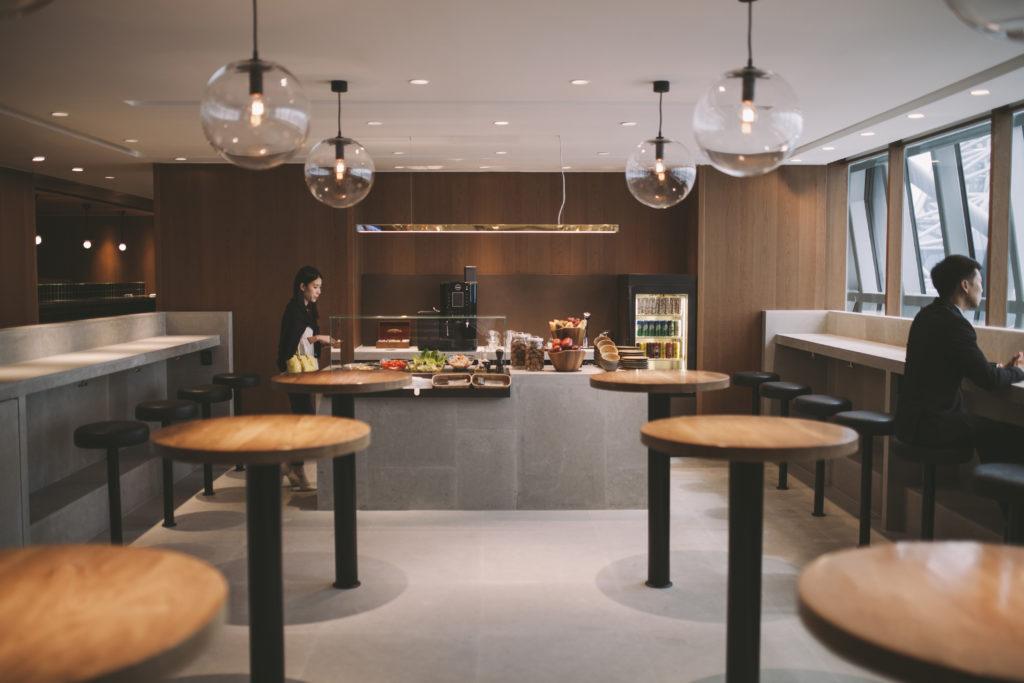 Cathay Pacific Lounge Bangkok food bar