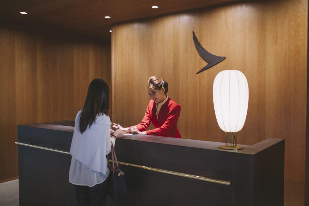 Cathay Pacific Lounge Bangkok reception
