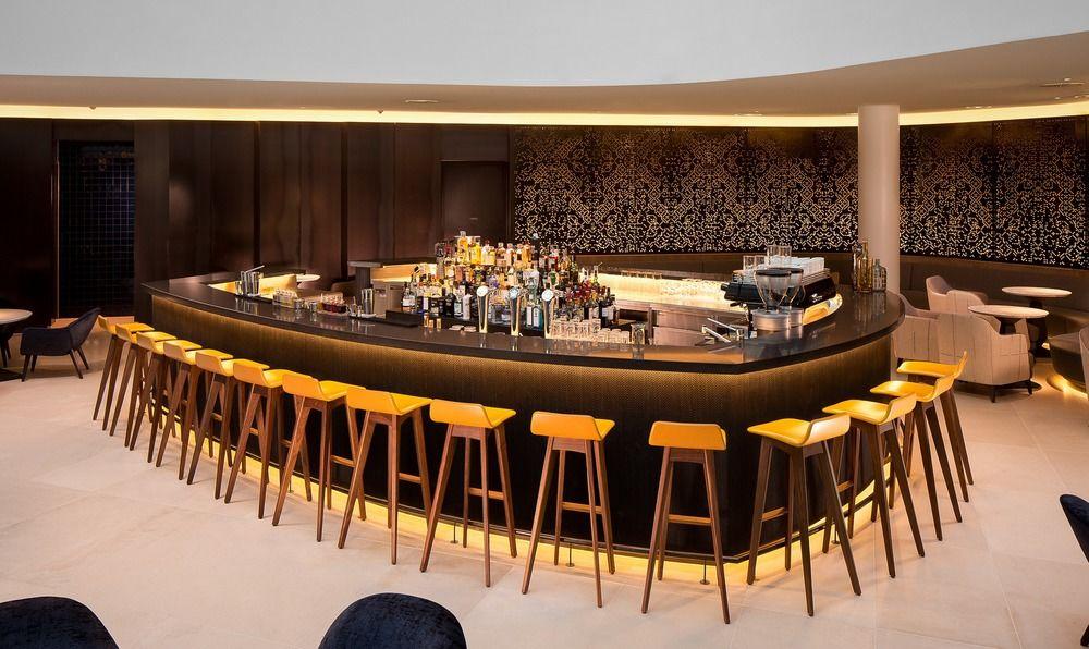 Hilton Amsterdam Airport Schiphol Hotel lobby bar