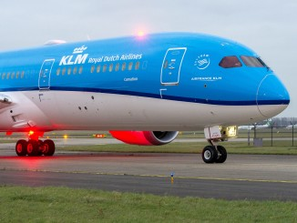 KLM Boeing 787-8 Dreamliner on the taxiway