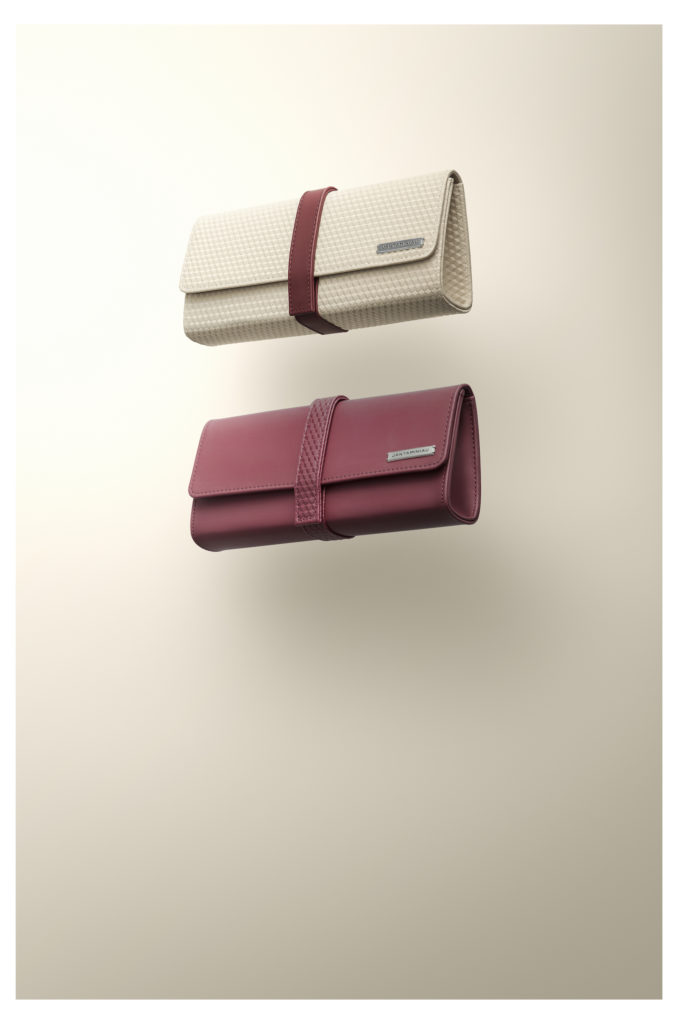 KLM new amenity kit from Jan Taminiau in red and white