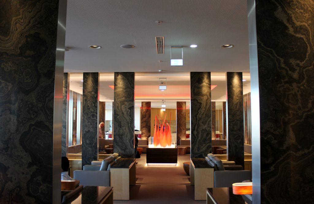 Air Canada Maple Leaf Lounge, Frankfurt interior