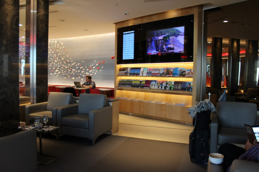 Air Canada Maple Leaf Lounge, Frankfurt dining area, newspapers and magazines