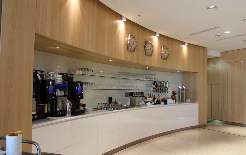 Air Canada Maple Leaf Lounge, Frankfurt self service bar