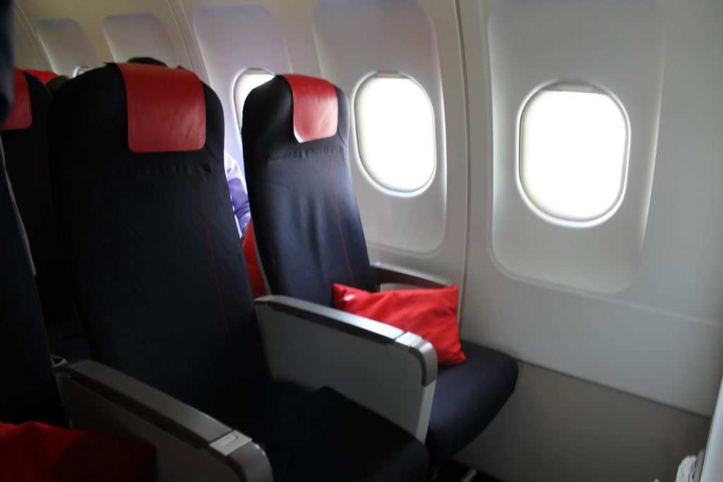 Air France Business Class Munich-Paris CDG seat and cabin