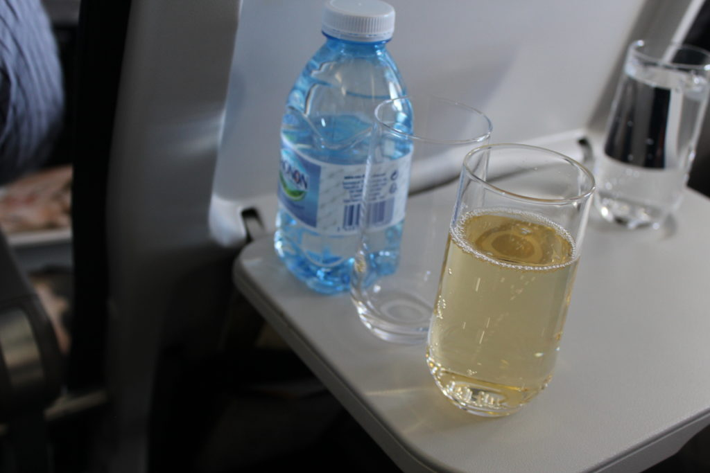 Air France Business Class Munich-Paris CDG champagne and water