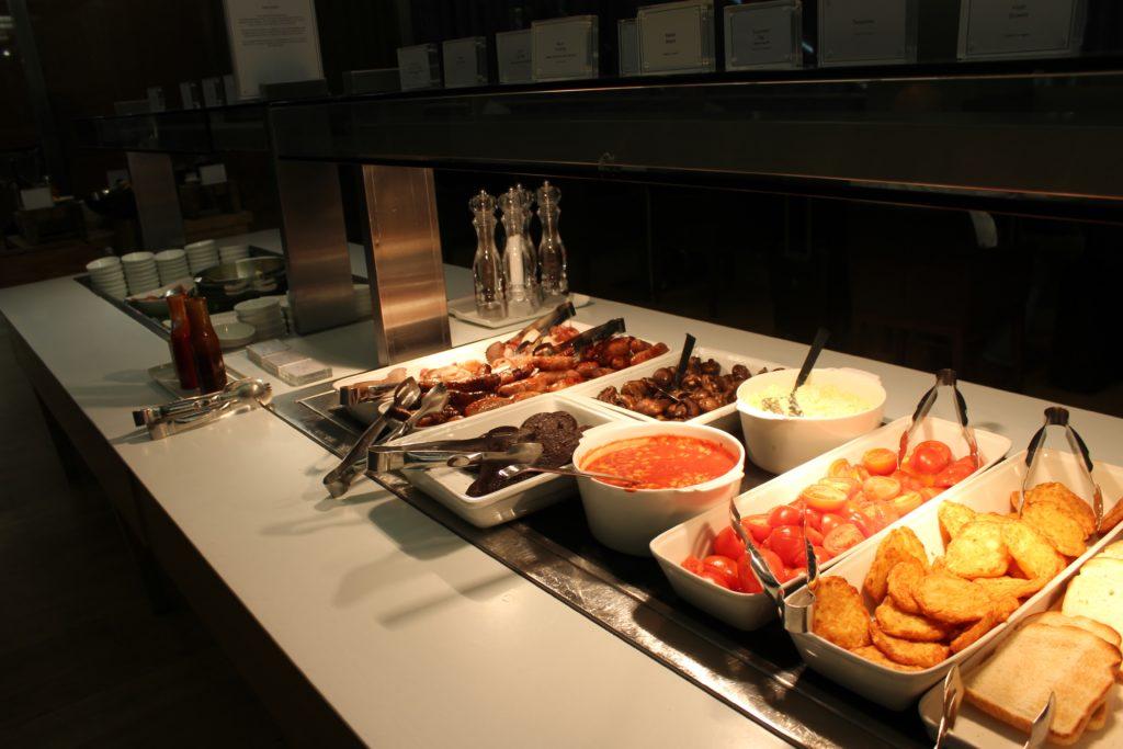British Airways Business Class London-Munich breakfast in lounge