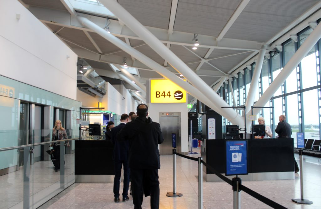 British Airways Business Class London-Munich boarding at the gate