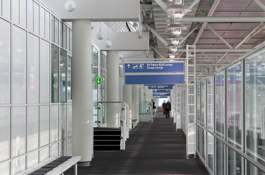 Europa Lounge, Munich, Terminal 1 lounge corridor