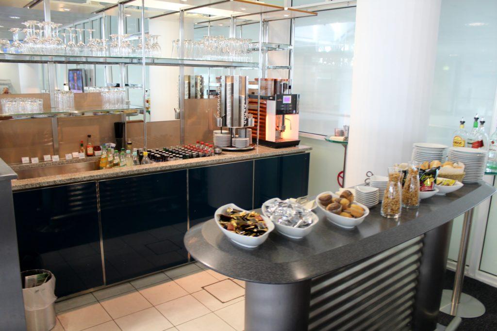 Europa Lounge, Munich, Terminal 1 self service buffet and bar