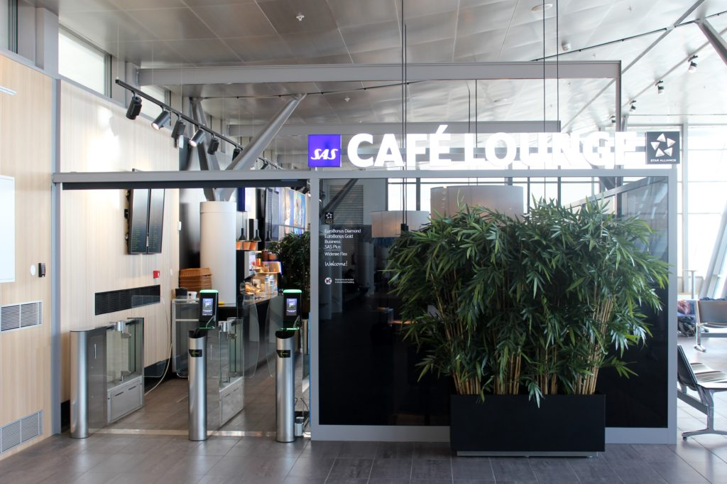 SAS Cafe Lounge, Trondheim Vaernes entrance