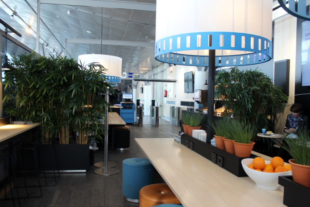 SAS Cafe Lounge, Trondheim Vaernes interior and seating area