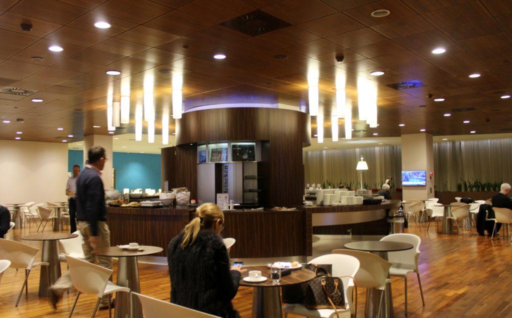 KLM Business Class Amsterdam-Paris lounge