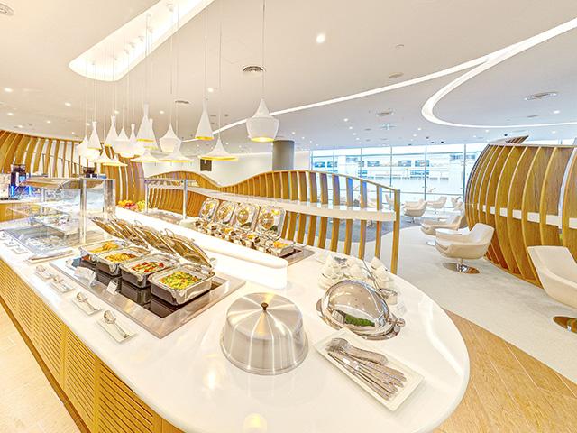 Skyteam Lounge, Dubai self service buffet