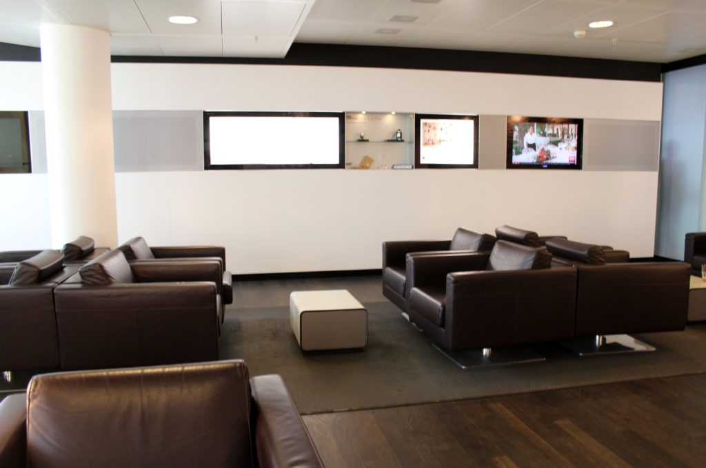 Lufthansa Economy Class Geneva-Frankfurt lounge