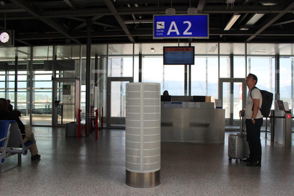 Lufthansa Economy Class Geneva-Frankfurt gate