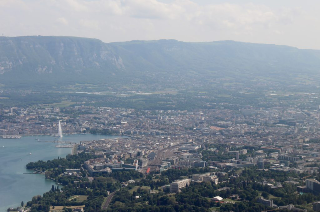 Lufthansa Economy Class Geneva-Frankfurt city centre