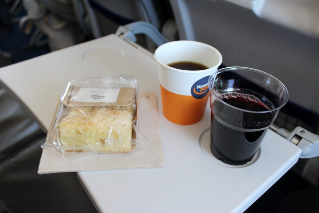 Lufthansa Economy Class Geneva-Frankfurt snack, coffee and red wine