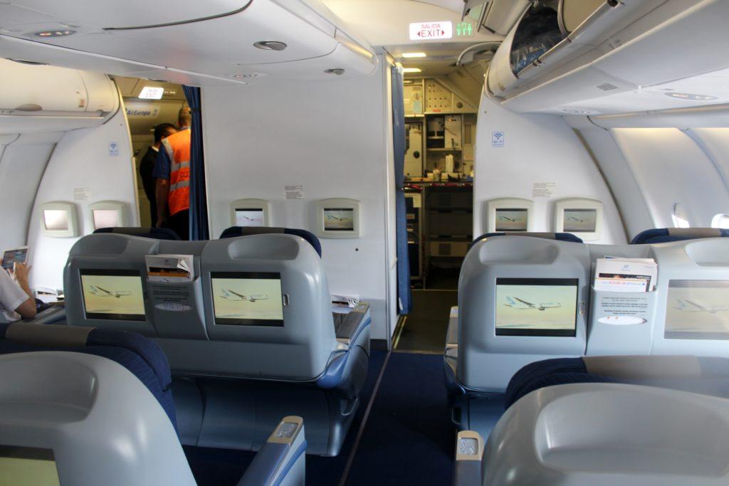 Air Europa Business Class Airbus A330 Barcelona-Madrid cabin