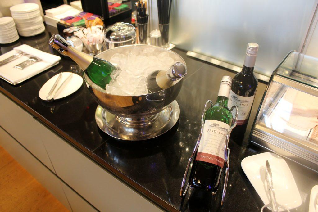 Dnata Skyview Lounge, Zürich Kloten wines