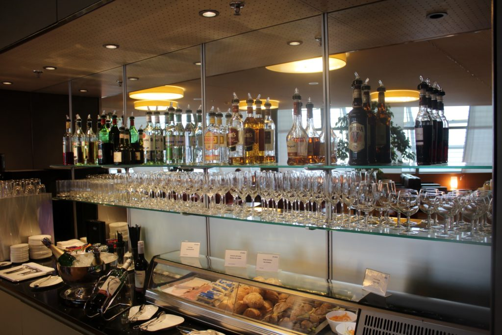 Dnata Skyview Lounge, Zürich Kloten spirits