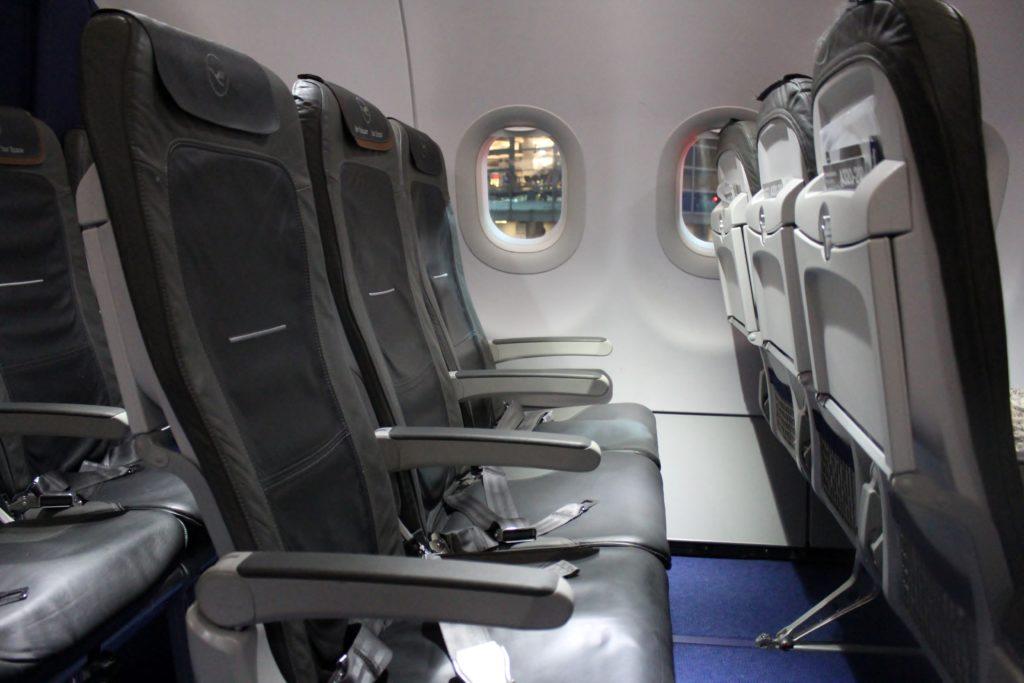 Lufthansa Business Class Frankfurt-Stockholm cabin and seat