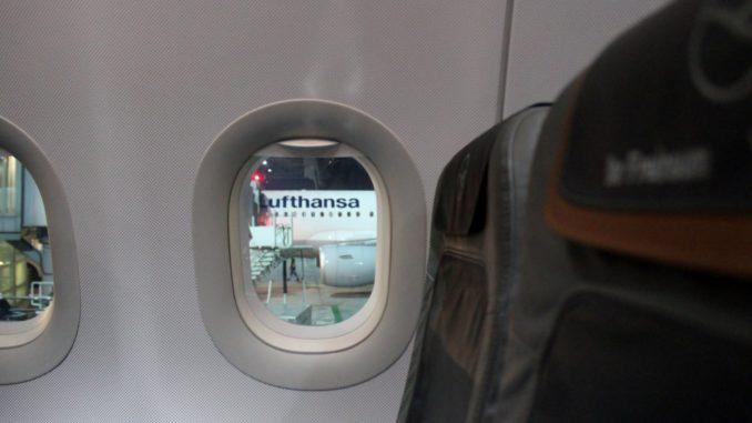Lufthansa Business Class Frankfurt-Stockholm seat