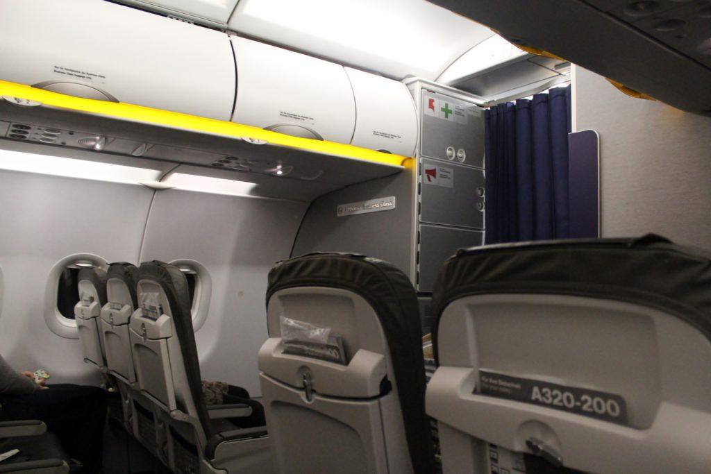 Lufthansa Business Class Frankfurt-Stockholm cabin