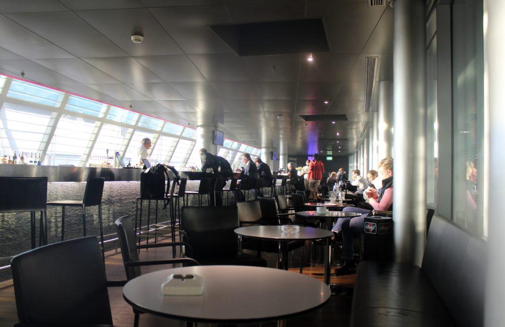Swiss Business Class Zürich-Barcelona Lounge bar