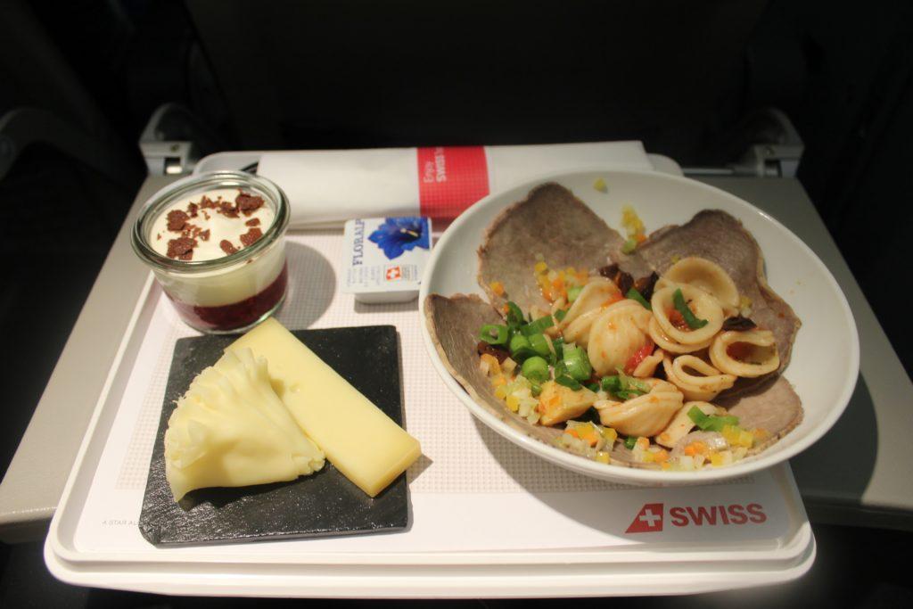 Swiss Business Class Zürich-Barcelona dinner