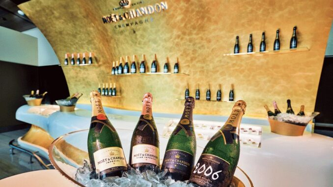 The champagne bar in the Emirates Lounge in Dubai