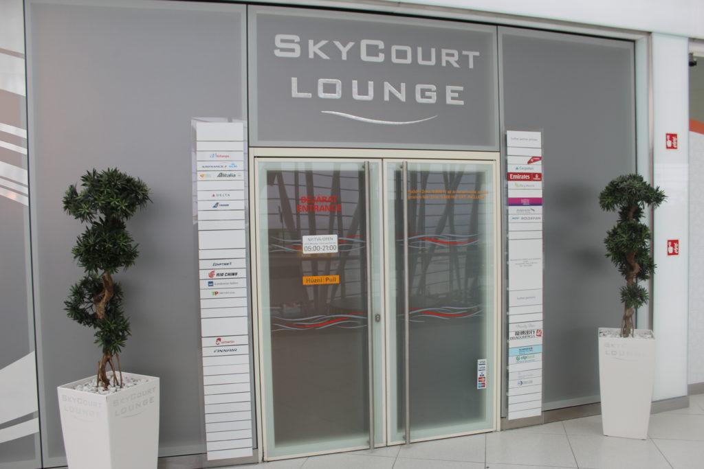 SkyCourt Lounge, Budapest entrance