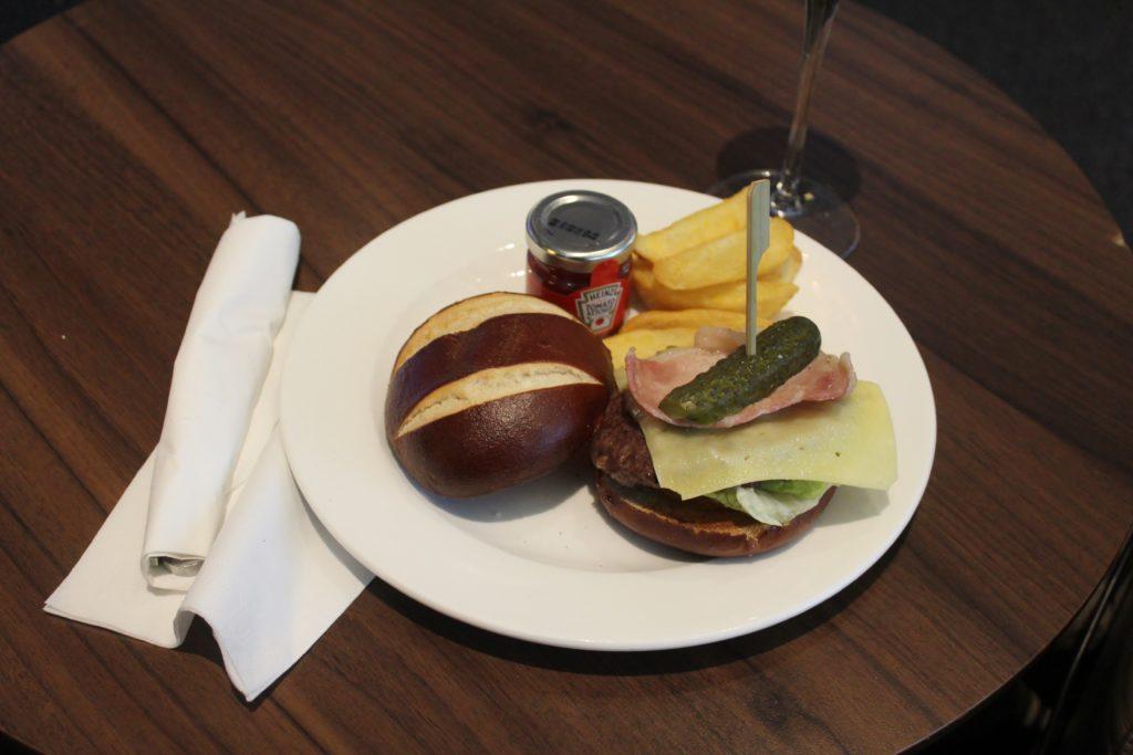 BA Burger in the British Airways Galleries First Lounge at London Heathrow