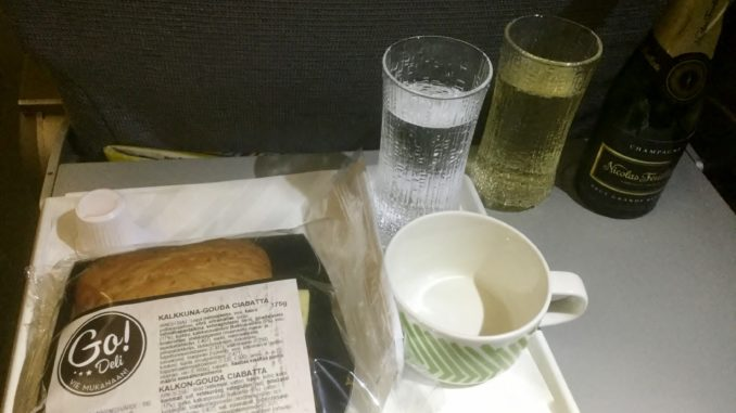 Finnair business class snack Helsinki-Stockholm