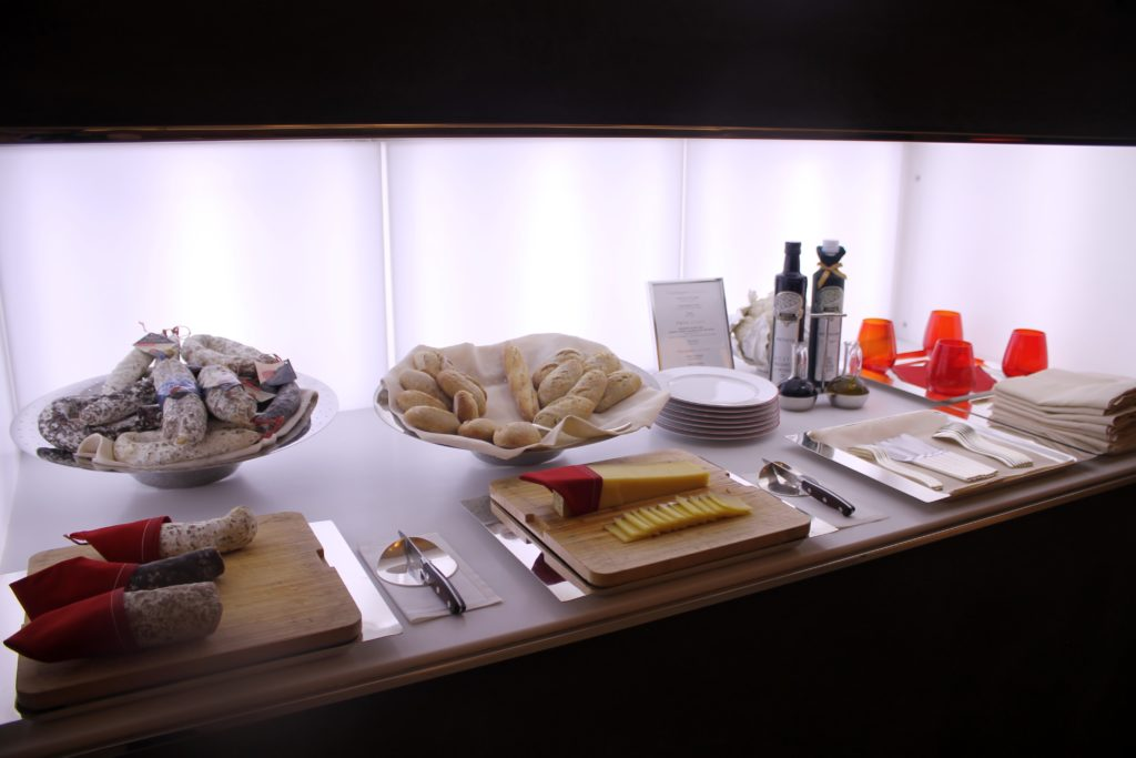 Lunch in the Air France La Première Lounge at Paris CDG