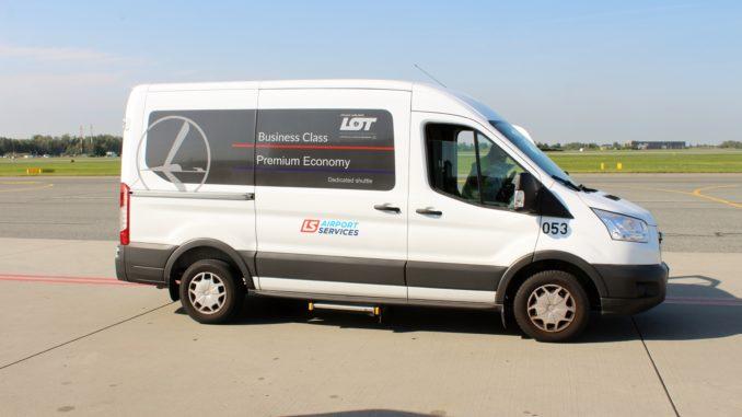 The LOT premium transfer service at Warsaw Chopin airport