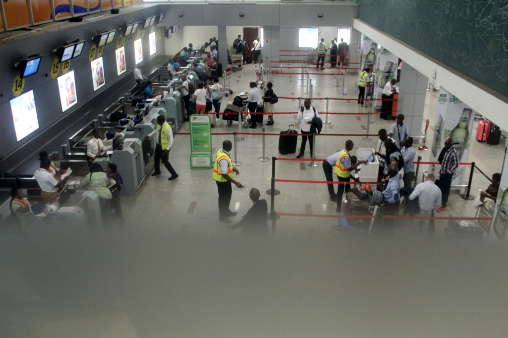 Luanda airport check-in area seen from the TAAG first class lounge