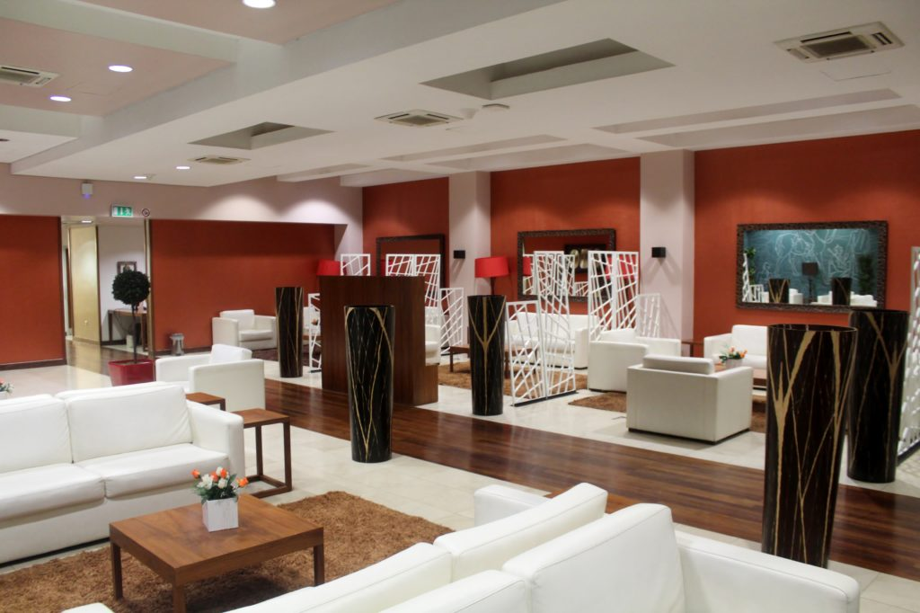 TAAG first class Lounge, Luanda