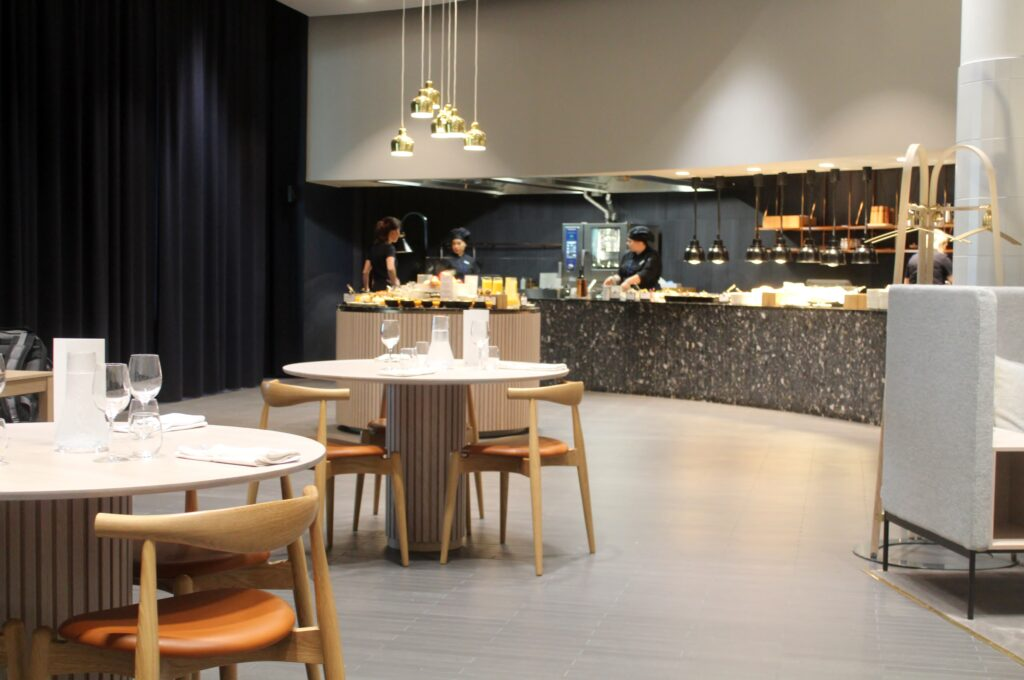 Lunch in the Finnair Platinum Wing in Helsinki